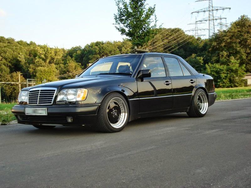Mercedes benz w124 e500 black on black benztuning for Mercedes benz black on black