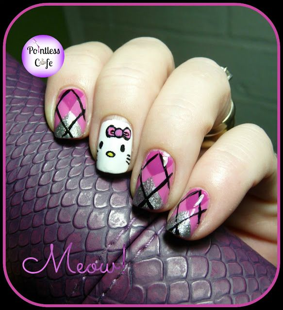 Hello-Kitty-Nail-Art-Cartoon