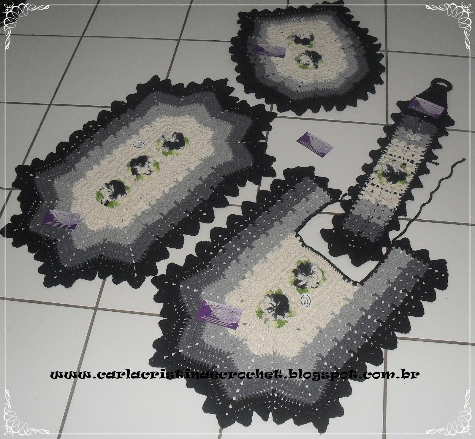 Carla Cristina & Crochet: Jogo de Banheiro em Degradê Cinza e Preto #5B4963 1600x1479 Banheiro Cinza E Preto