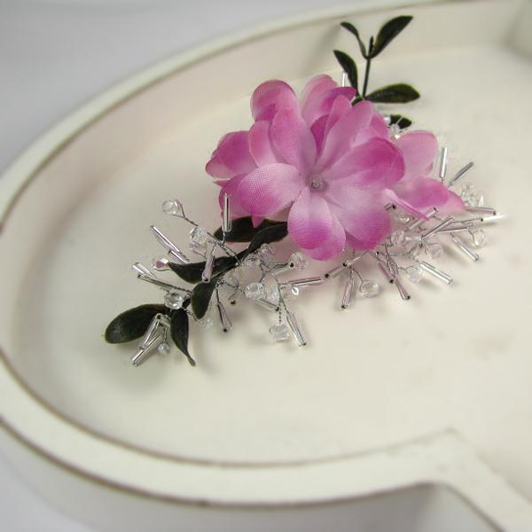 Ślubna ozdoba do włosów Airy, różowe kwiatuszki i kryształowe gałązki