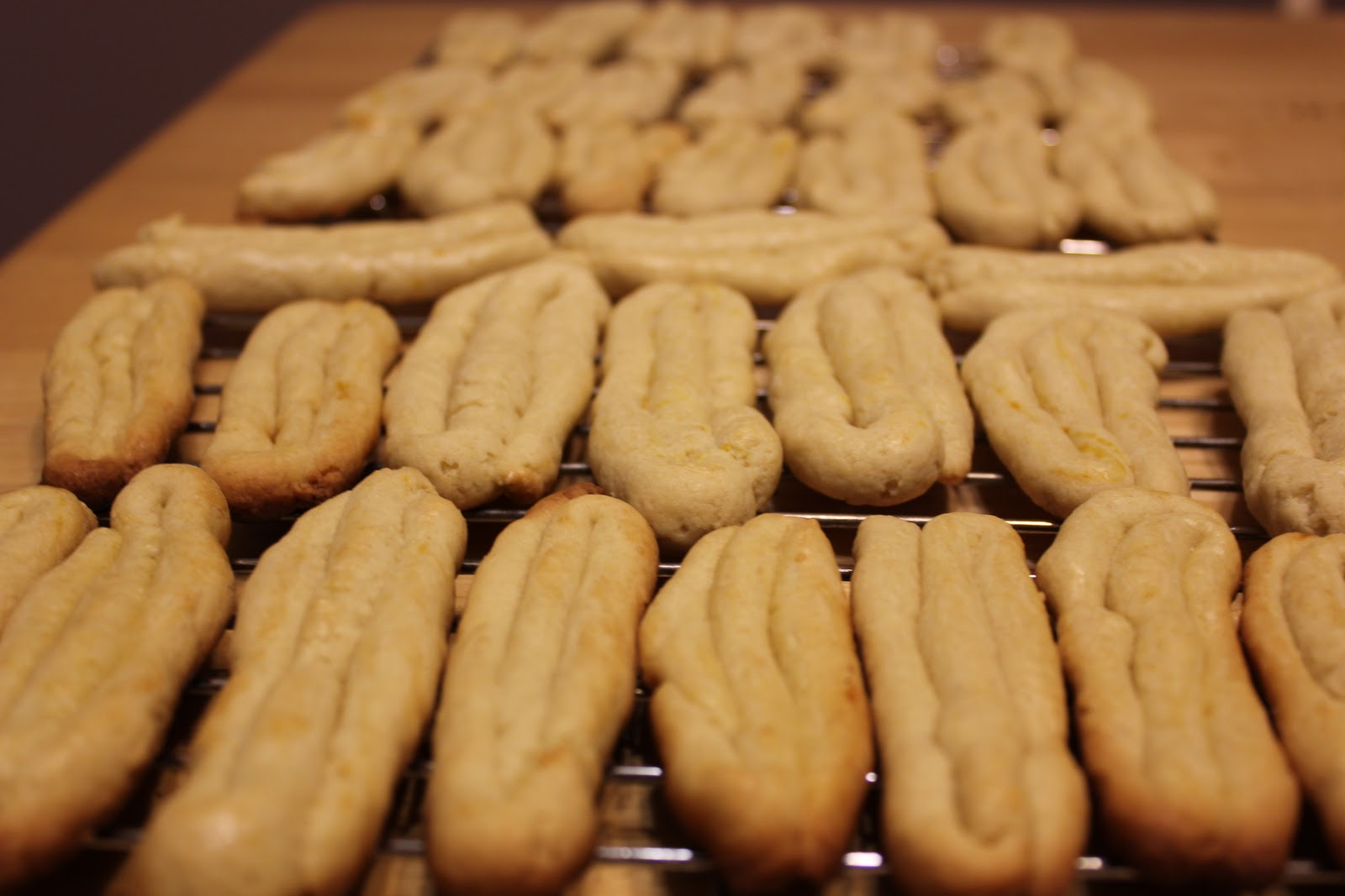 THE BUSY MOM CAFE: Greek Easter Cookies from Smyrna