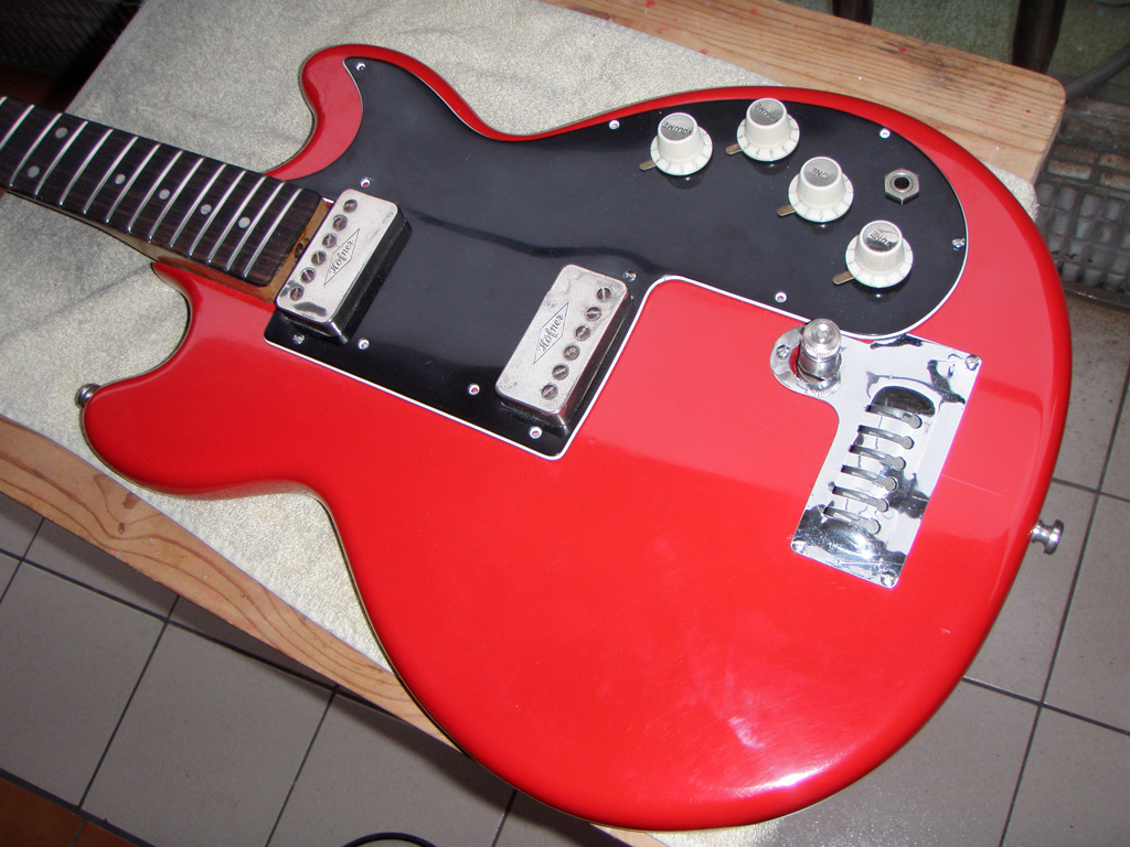 Hofner Colorama Ii Restoration Project Part 20 Putting It All Bass Wiring Diagram Back Together Diy Strat And Other Guitar Audio Projects