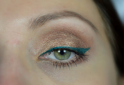 http://blushesandmore.blogspot.co.at/2013/11/review-zoeva-cream-eyeliner-swatches-amu.html