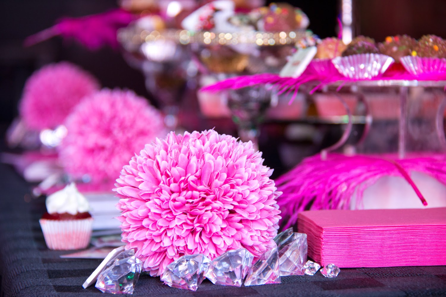 The-fields-party, much-music-video-award-2014, melly-cupcake-pink-flower