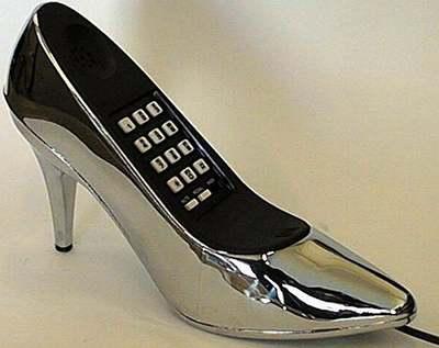 телефон в виде женской туфли