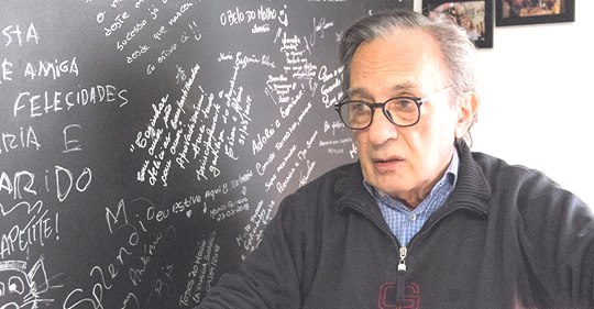 """""""O jornalismo está muito estranho"""", diz Carlos Cruz"""