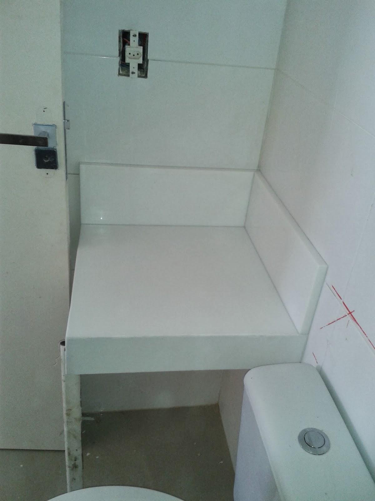 Nanoglass Banheiro Social: testeira de 10 cm rodopia de 17 cm #5C6A6F 1200 1600