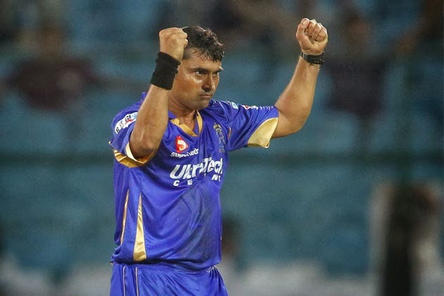 Pravin-Tambe-Rajasthan-Royals-vs-Highveld-Lions-M9-CLT20-2013
