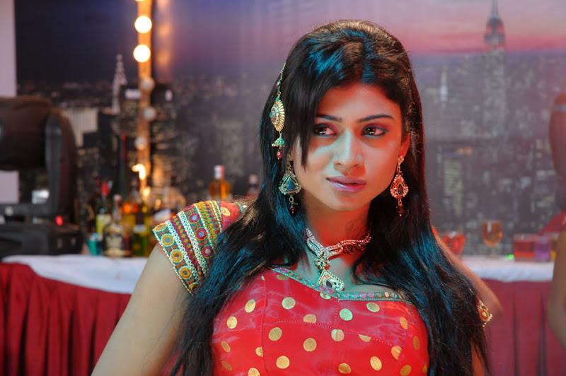 Sanya Srivastava New Telugu Movie Item Girl Hot Stills Photos cleavage