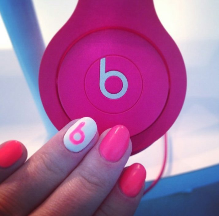 Drenched Nails by @beatsbydre