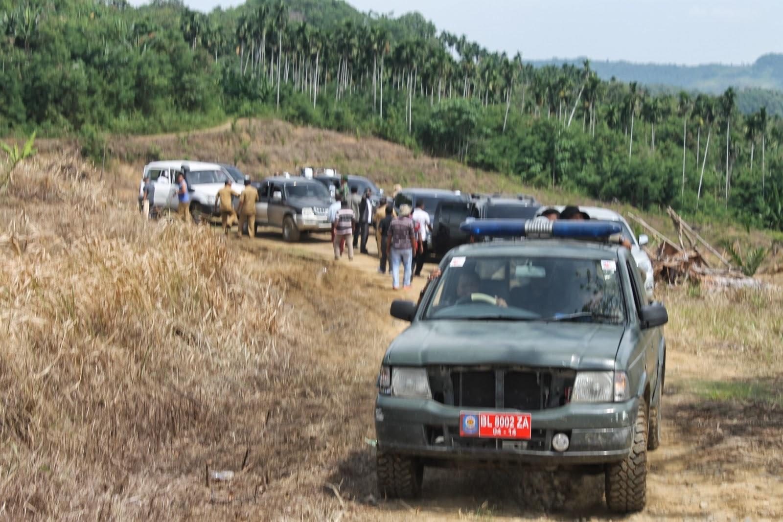 Jalan perkebuan mulai Desa Mata Ie, Peusangan Selatan hingga tembus Krueng Simpo Kecamatan Juli. Foto Yudi WBC