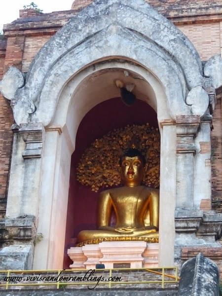 Wat Chedi Luang (Temple of the Big Stupa), Chiang Mai, Thailand
