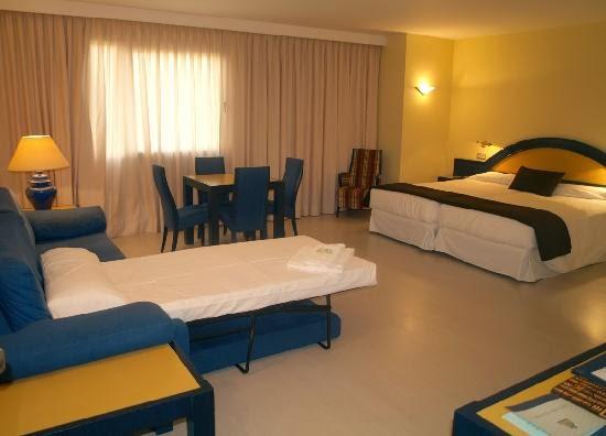 Turismo galego camas supletorias for Hoteles con habitaciones dobles comunicadas