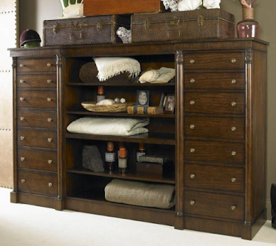 Chelsea Club Danvers Bachelor Chest