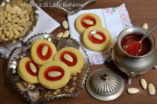 hiperica_lady_boheme_blog_di_cucina_ricette_gustose_facili_veloci_dolci_ciambelline_alla_marmellata_2