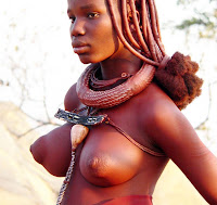 Africana preta nua e bonita com grandes peitos