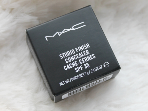 MAC Studio Finish Concealer NW15