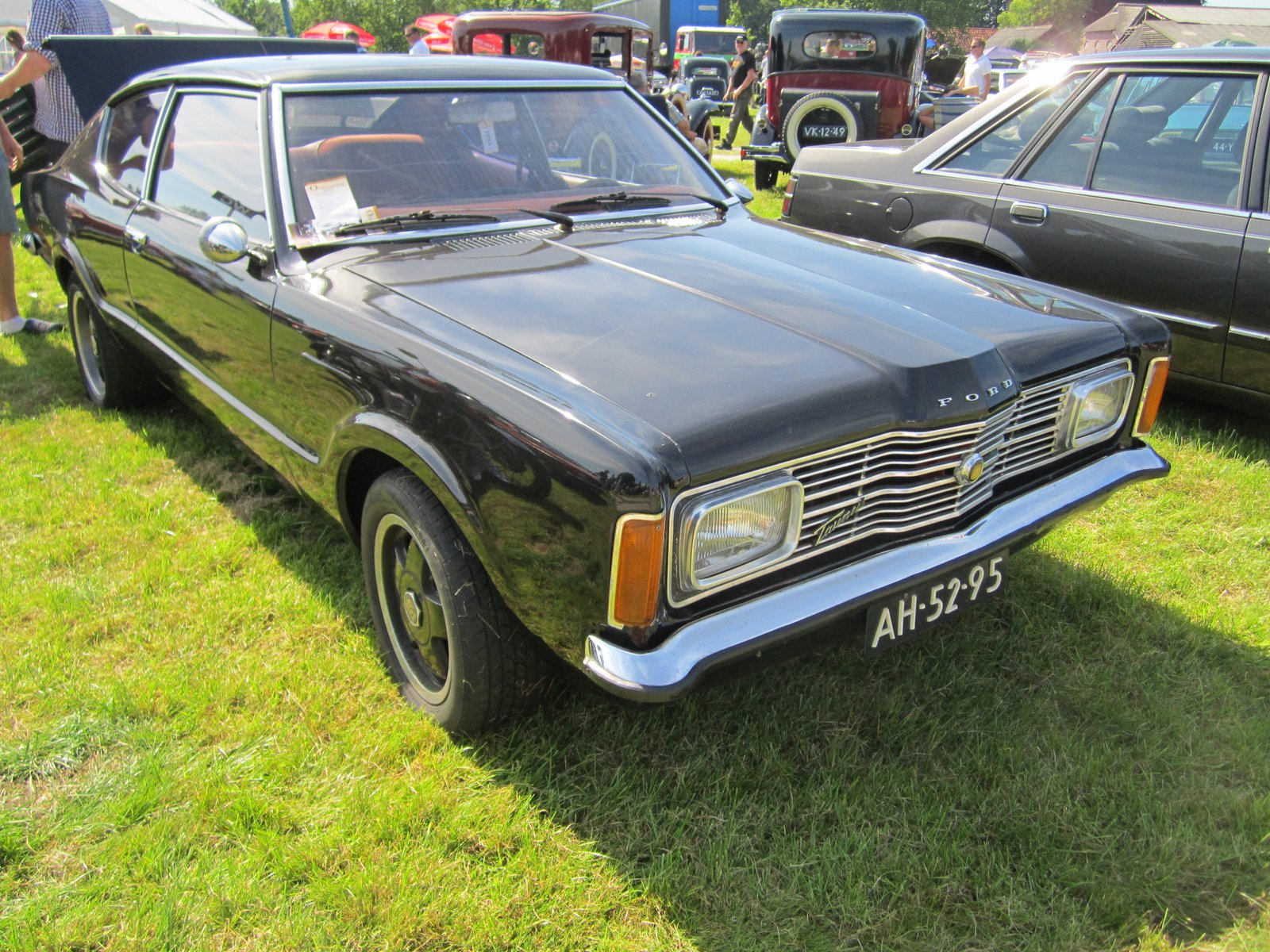 ford taunus 2000 coupe 1971 pictures of classic cars. Black Bedroom Furniture Sets. Home Design Ideas