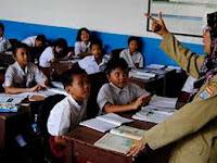 Guru yang menentukan Kurikulum K13, Benarkah ?