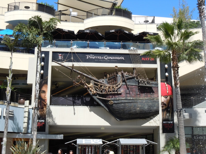 Pirates of the Caribbean On Stranger Tides ship installation