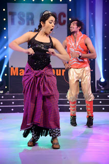 Actress Charmi Kaur  Dance Performance on Stage at CCCup 2013 Launch  0015