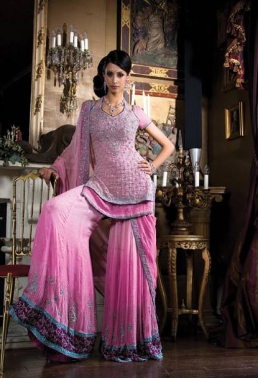 Preity Zinta Veer Zaara Outfits