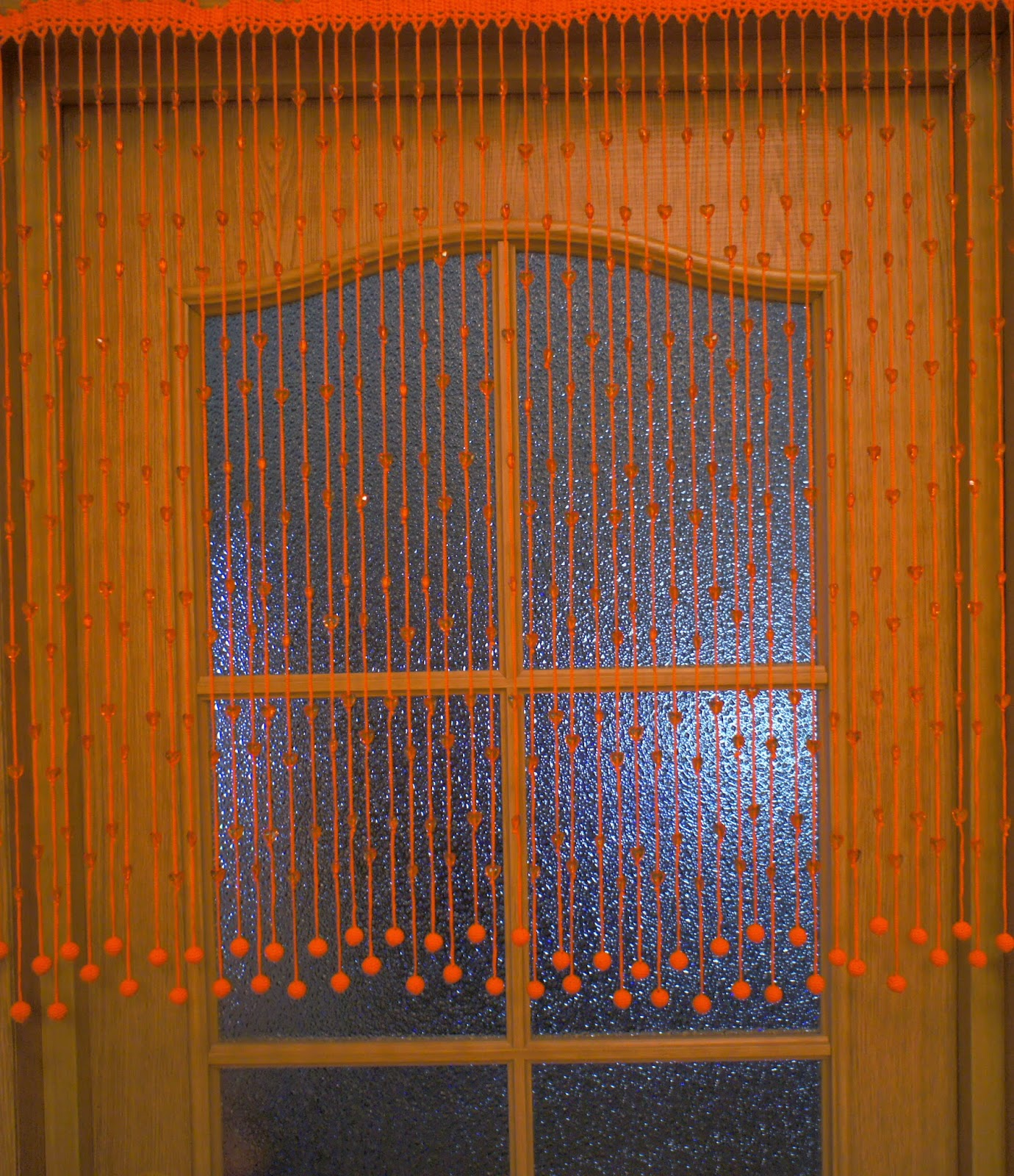 Висячие шторы на дверной проем своими руками