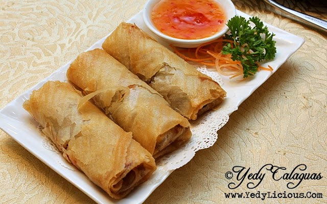 Crystal Jade Deep-fried Shrimp & Shredded Chicken Spring Roll