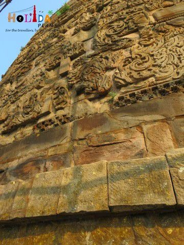 Carvings on Dhamek Stupa