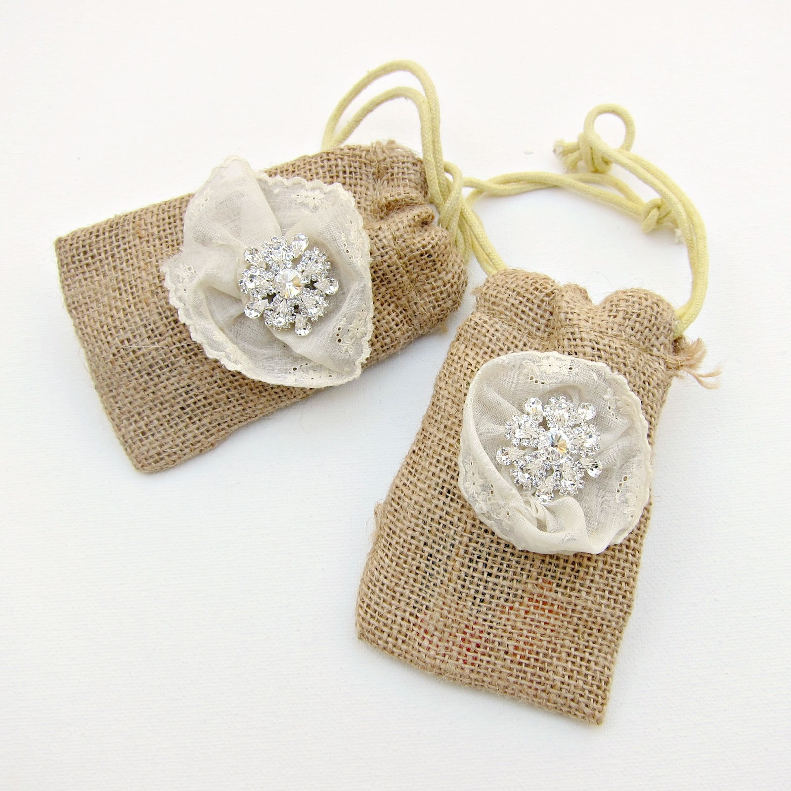Burlap Wedding Favor Bags Diy : ... You can keep it casual or dress it up like I did with these gift bags