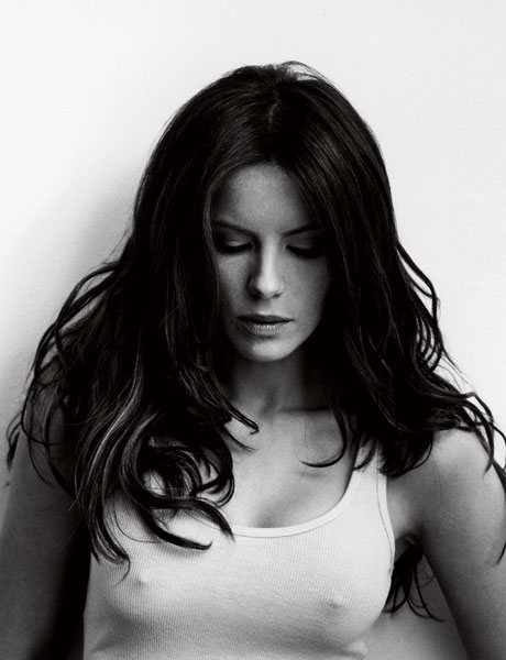 Kate Beckinsale Hot