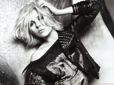 Scarlett Johansson Glamour Wallpaper-1600x1200