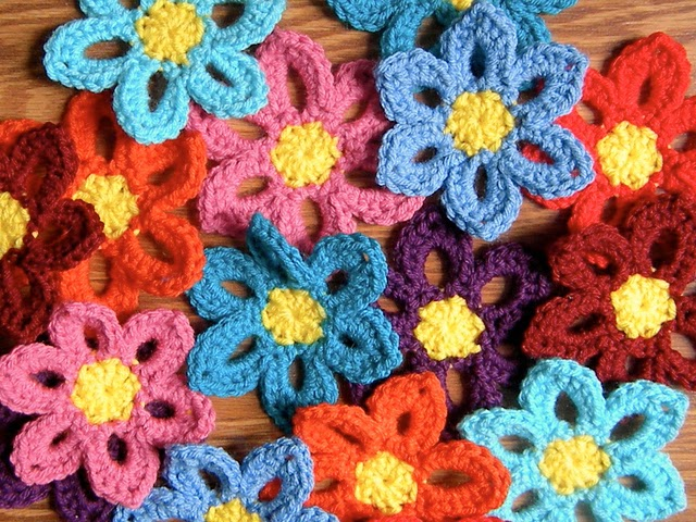 free crochet pattern spring flower garland