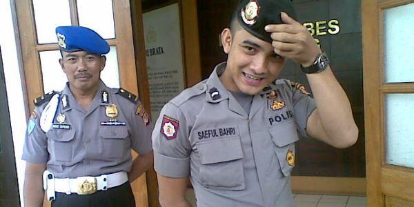foto polisi ganteng Bripda Saeful Bahri, kumpulan foto polisi tampan