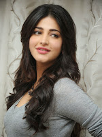 Shruti Haasan Gorgeous Photos at Yevadu Success Meet-cover-photo