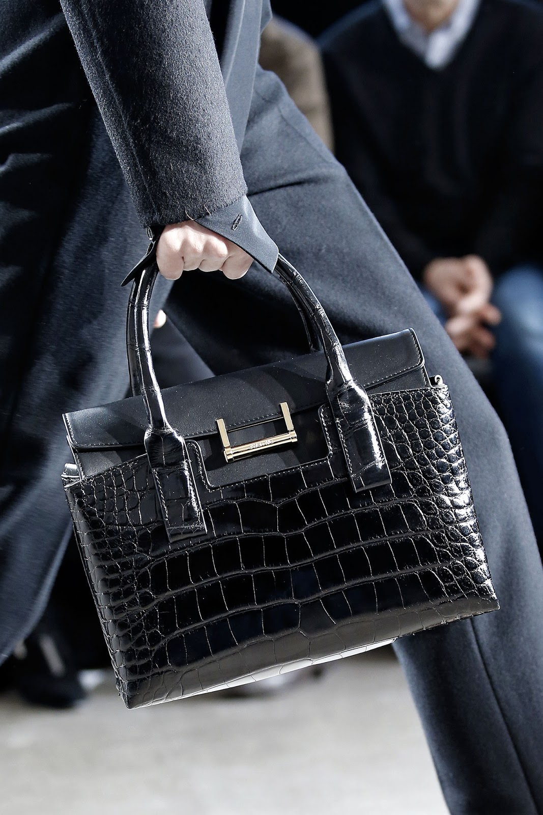 Fall 2015 accessories trend report / best bags / investment bags / crocodile accessories trend at Jason Wu Fall/Winter 2015 via fashionedbylove.co.uk, british fashion blog