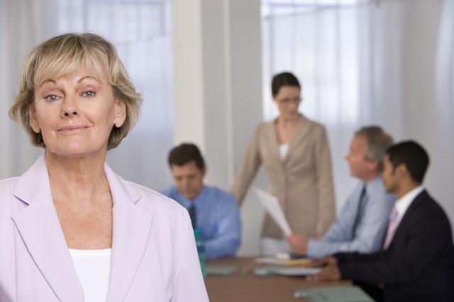 Untung dan rugi melakoni dunia bisnis kategori jangka pendek