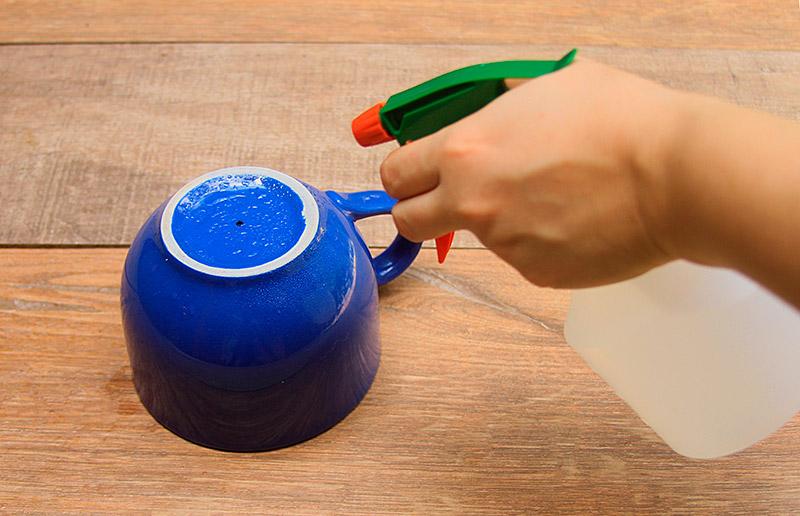 A gente te explicar porque é legal molhar a xícara antes de furá-la