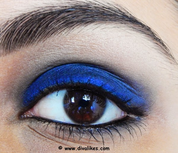 Therefore, the eyes stand out with a bold look. This look is easier to carry off when you don't want to go dramatic and keep a cool balance between the eyes ...