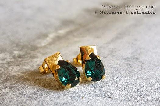 Viveka Bergstrom Boucles d'oreilles vert emeraude plaqué or cristal
