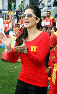 Sunny Leone in red at CCL