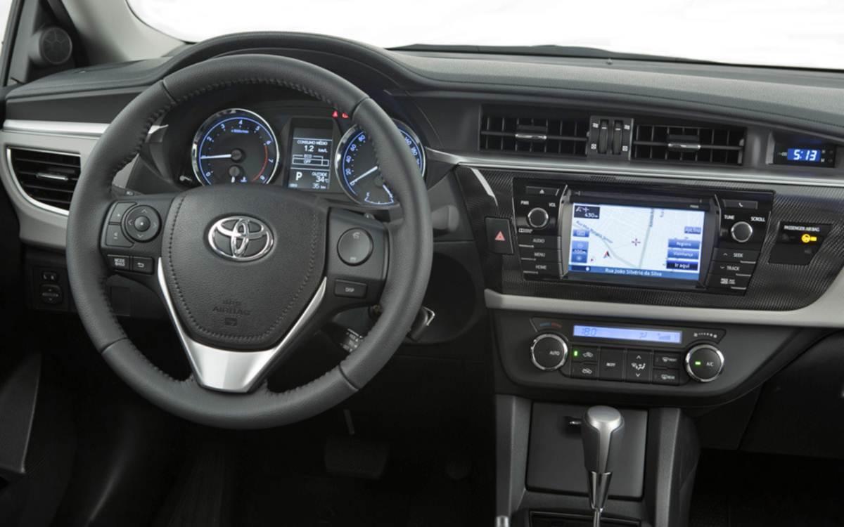 Novo Toyota Corolla 2015 - painel