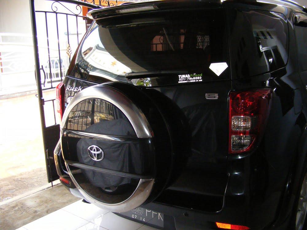 Dijual Toyota Rush Tahun 2009 Tipe S Manual Transmision Warna Hitam