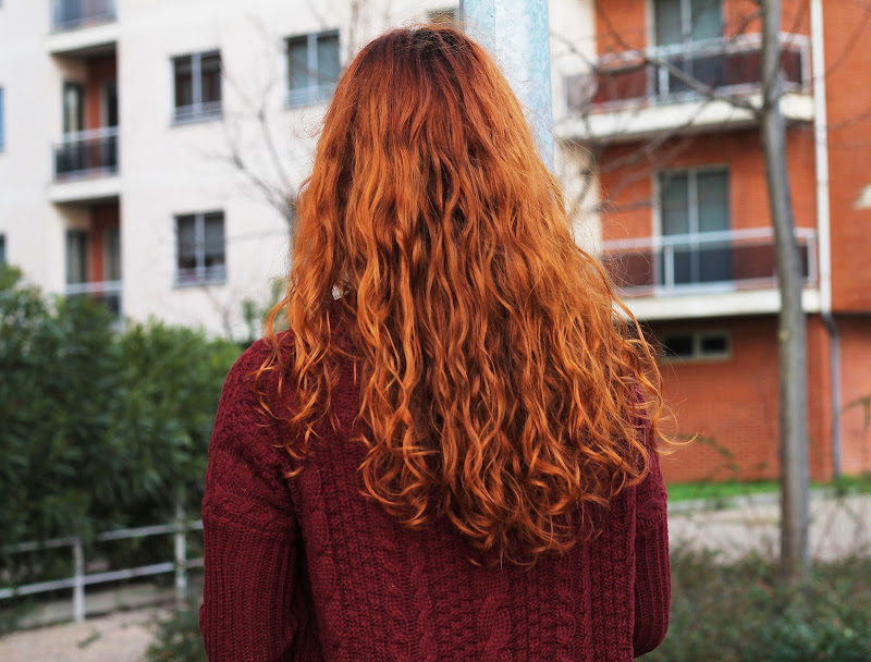 red curly hair blogger