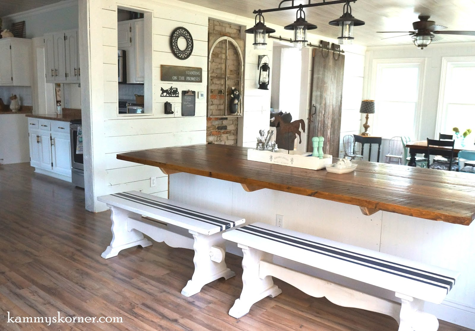 Kammy\'s Korner: Not Your Average Barn Wood Table - It\'s a BARBLE!