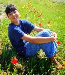 Саша - 14 лет