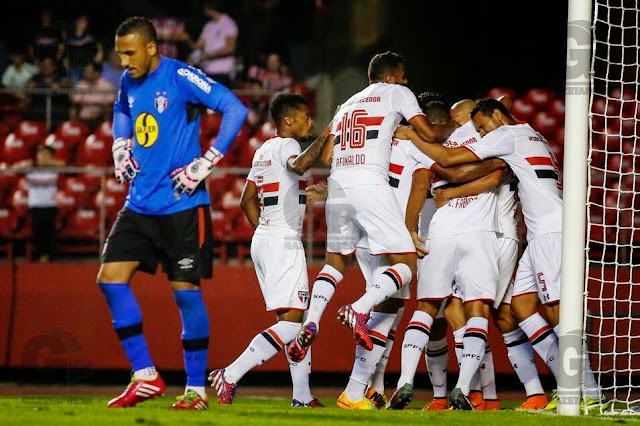 Agora vai? Com boa atuação, São Paulo vence Joinville.