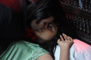 Punnami Rathri Movie Stills  Romance Thrill Horror and Suspence Movie   Shraddha Das Monal Gajjar