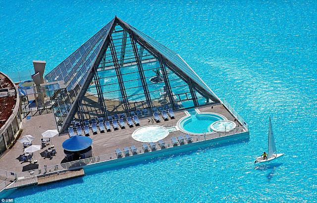 Have You Ever Been In These Places World 39 S Biggest Swimming Pool Chile