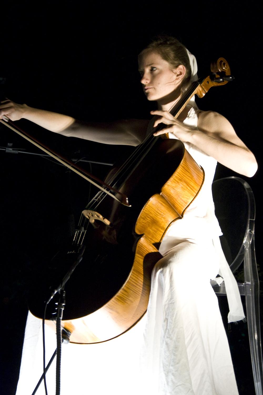 Concerto gratis Naomi Berrill a Merate (LC) venerdì 19 luglio 2013